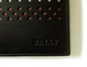 No.3 VYIE.T/110 二つ折財布(ブラック)