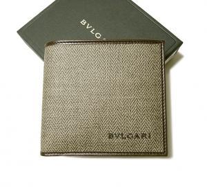 685222fd0c14 ブルガリ ] ウィークエンド 二つ折財布(マッドブラウン/エボニー ...