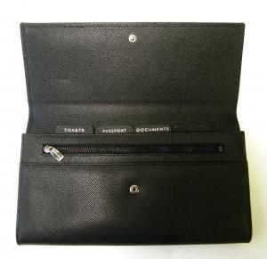 No.4 財布 型押しレザー トラベルドキュメントケース (ブラック) *大きめサイズ(横約25 cm)
