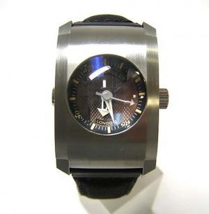 ダンヒル ダンヒル時計 世界限定2000本 CITY FIGHTR WATCH メンズ DCX991AM