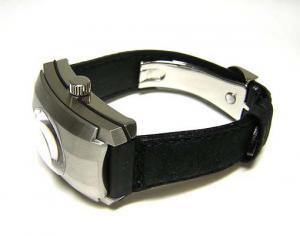 No.5 ダンヒル時計 世界限定2000本 CITY FIGHTR WATCH メンズ DCX991AM