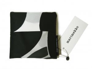 No.5 エコバッグ スマートバッグ ピエニ ウニッコ  ホワイト×ブラック Pieni Unikko