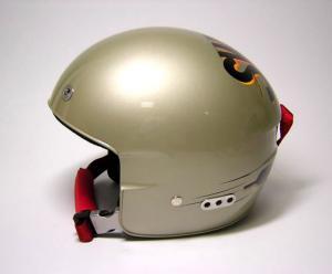 プラダヘルメット