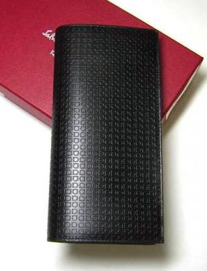 サルヴァトーレフェラガモ 長財布 マイクロガンチーニモノグラム二つ折(ブラック)