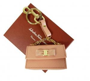 サルヴァトーレフェラガモ キーリング(ピンク) フック付き ミニチュアバッグ