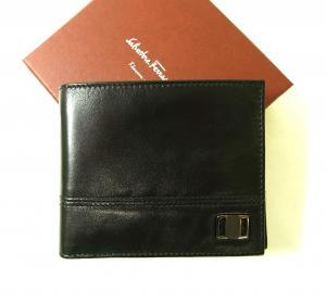 サルヴァトーレフェラガモ 財布 メンズ 二つ折(ブラック) MainPhoto