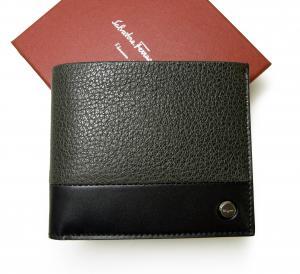 サルヴァトーレフェラガモ 財布 メンズ 子山羊革 キッド 二つ折(グレー×ブラック) MainPhoto