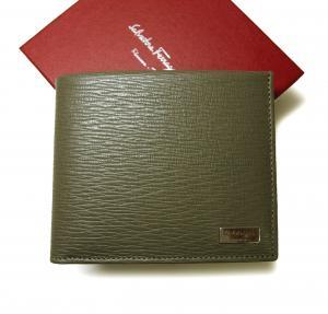 サルヴァトーレフェラガモ 特価 財布 メンズ ペブルカーフ 二つ折 (ケルティックグレー)