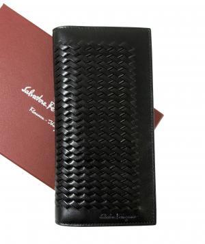 サルヴァトーレフェラガモ 長財布 イントレチャート 編み込み 二つ折(ブラック)