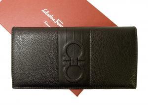 サルヴァトーレフェラガモ 長財布 ガンチーニ 二つ折 メンズ (黒に近い焦げ茶) MainPhoto