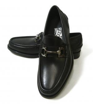 サルヴァトーレフェラガモ 靴 モカシンシューズ メンズ レザー ビジネス  9.5
