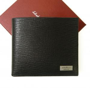 サルヴァトーレフェラガモ 財布 二つ折 型押し ペブルカーフ(ブラック×レッド)