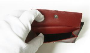 No.7 財布 二つ折 型押し ペブルカーフ(ブラック×レッド)