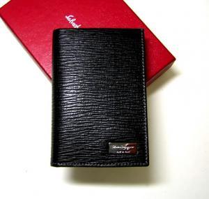 サルヴァトーレフェラガモ カードケース カーフ (ブラック)