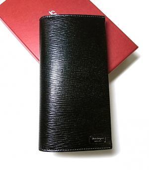 サルヴァトーレフェラガモ 長財布 メンズ ペブルカーフ 二つ折 (ブラック) MainPhoto