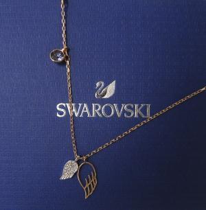 スワロフスキー ネックレス ミランダカーデザイン  Duo Wing デュオウィング