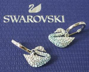 スワロフスキー ピアス フープ Iconic Swan スワン 白鳥 ブルー
