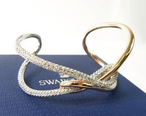 スワロフスキー ブレスレット バングル インフィニティ Swarovski Infinity ローズゴールド M